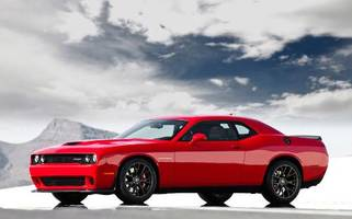 2015 Dodge Challenger SRT Hellcat has dog in fight against Mustang and